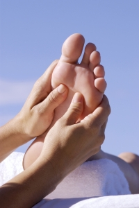 Training Barefoot can strengthen your feet and reduce injuries